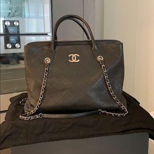 NWOT Chanel L Grained Calfskin Shopping Tote
